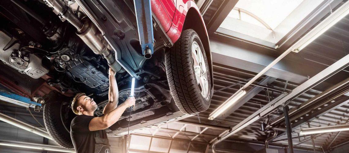 2017 vans, service, inspection & maintenance, mechanic, workshop, engine room, vehicle on lifting platform, european, Vito 447 Tourer